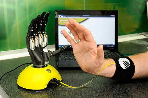 Киберпротез от Touch Bionics