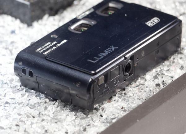 Карманная 3D фотокамера - Panasonic Lumix 3D