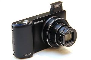 На фото Samsung Galaxy Camera