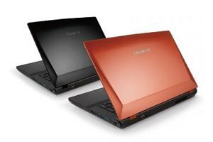 На фото ноутбук Gigabyte P2742G